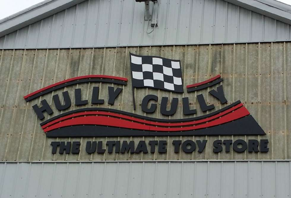 Hully Gully Dimensional Lettering - By Why Design